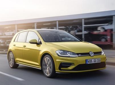 Volkswagen Golf (1 / 2)