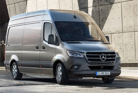Mercedes-Benz SPRINTER (1 / 3)