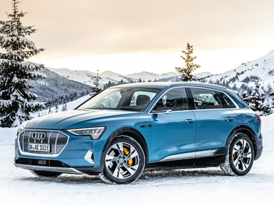 Audi e-tron (1 / 1)