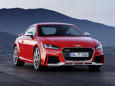 Audi TT RS (1 / 2)