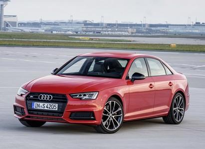 Audi S4 (1 / 2)