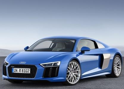 Audi R8 (1 / 2)