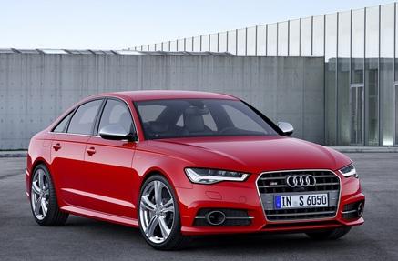 Audi S6 (1 / 2)