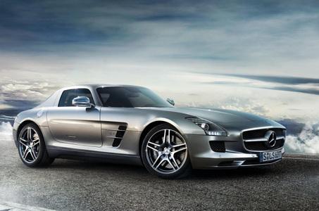 Mercedes-Benz SLS (1 / 2)