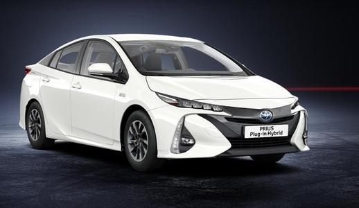 Toyota Prius Plug-in (1 / 1)