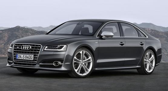 Audi S8 (1 / 1)